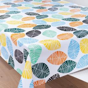 Grafiske Blade Multicolor, voksdug med flotte blade i blå, gule, grønne og orange.